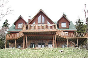 Tri-level Snowshoe Mountain home for sale